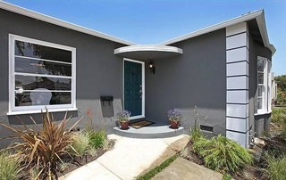 Point view property contemporary entry los angeles Dunn edwards exterior paint colors chart