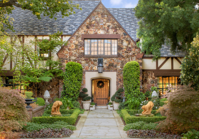 Kipp Residence traditional entry