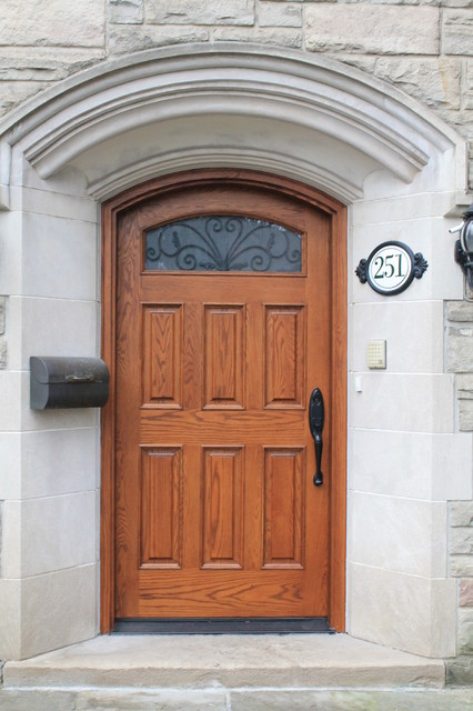 Project by Casaloma doors & Art glass traditional-entry
