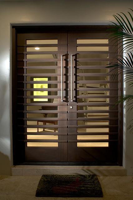 Ramos design build corporation tampa for Outside main door design