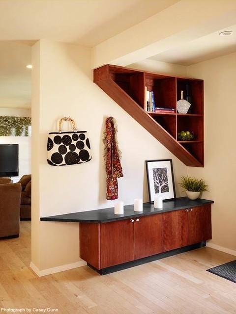 Ridge Oak Residence modern-entry