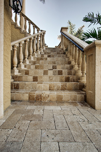 Roman Blend Travertine Pavers Mediterranean Entry