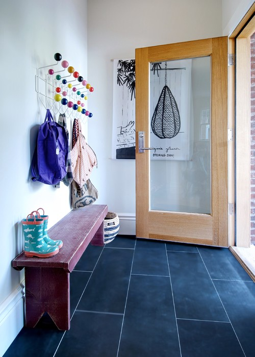how to create an organized mudroom. Black Bedroom Furniture Sets. Home Design Ideas