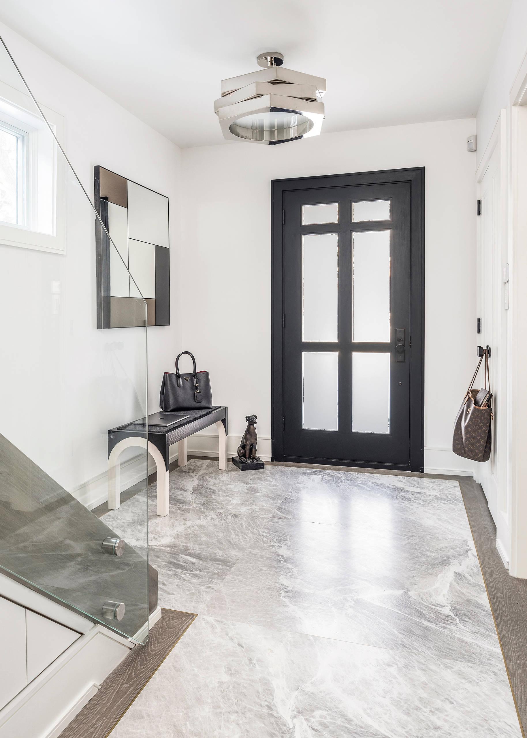 Sol Gris Cuisine Blanche entrée moderne avec un sol en marbre : photos et idées déco