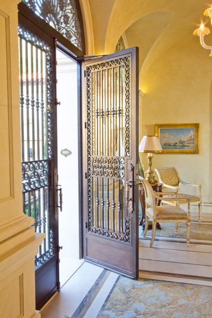 Santa Barbara Residence traditional-entry