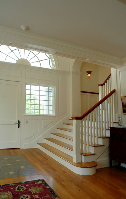 Seaside traditional-staircase