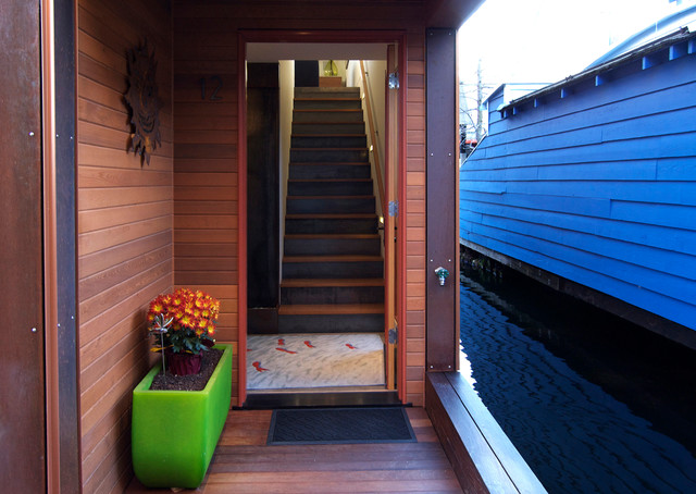 Seattle Houseboat contemporary-entry