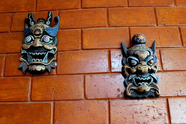 Shanghai masks.JPG asian-entry