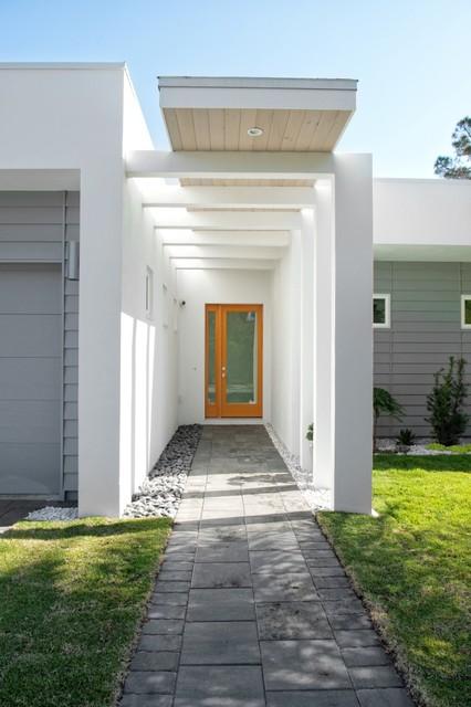 Sharp Residence modern-entry