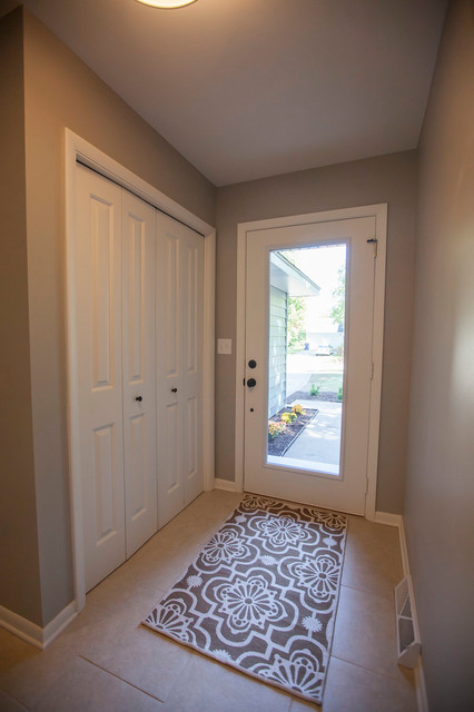 Sherwin Williams Mindful Gray Paint In Entry Transitional