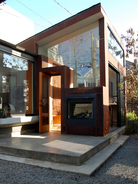 modern entry by Winslow Architecture & Urban Design