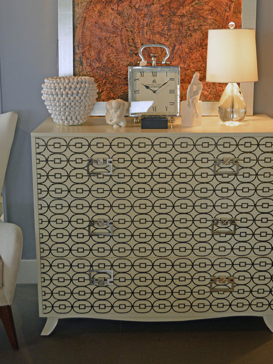 Showroom Pieces - Hall chest in a linen finish