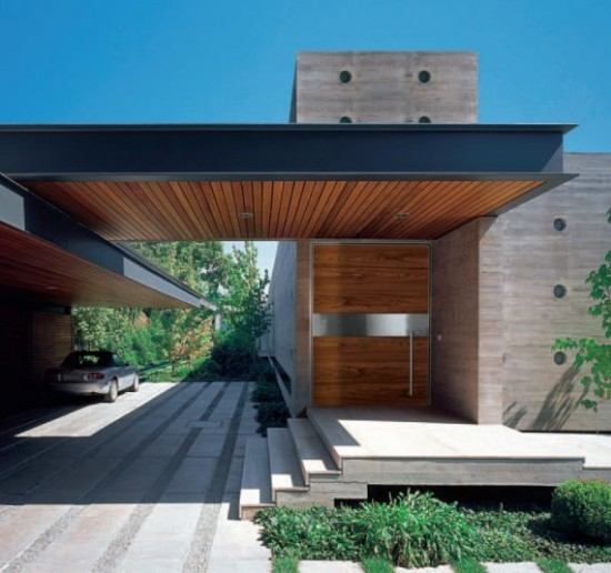 SIDE ENTRANCE contemporary-entry
