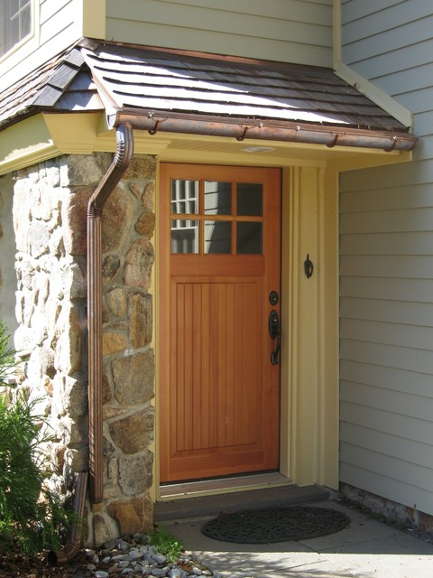 Side Entrance traditional-entry