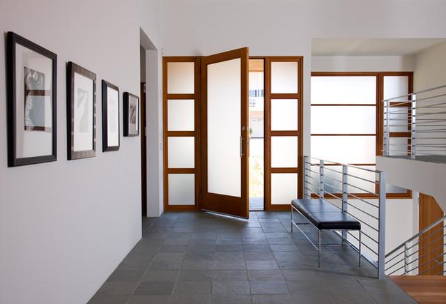 Solana Beach Residence modern-entry