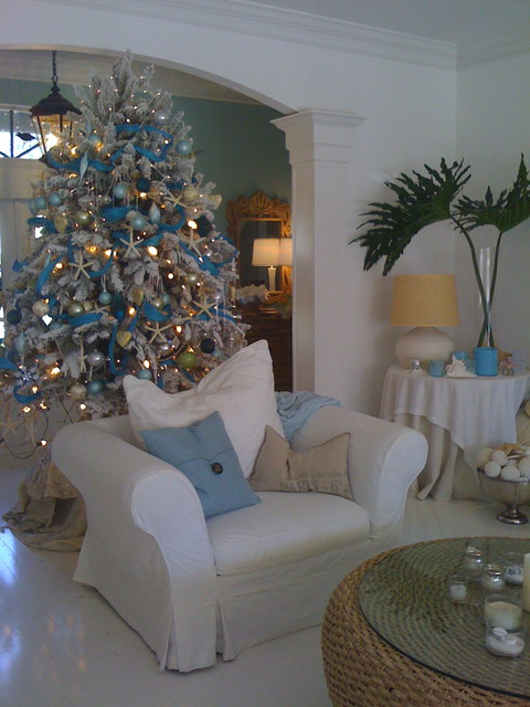 South Florida style christmas entry