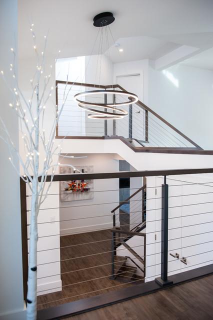Contemporary Split Foyer : Split level