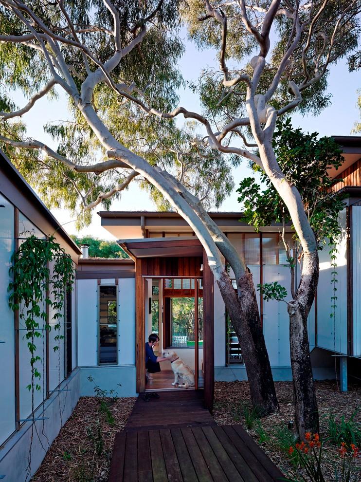 Trendy entryway photo in Sunshine Coast