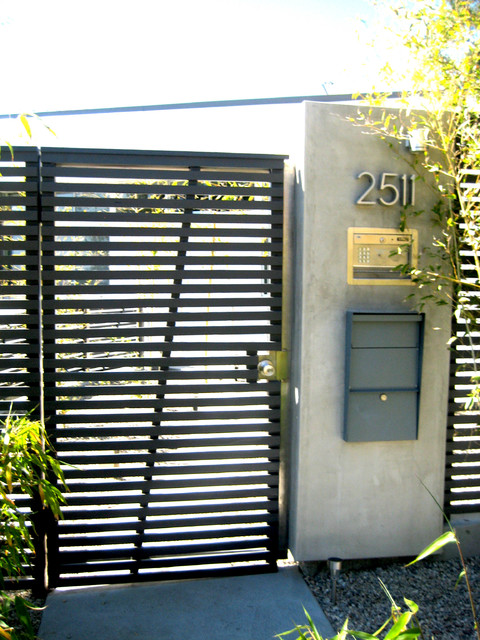Stainless Steel Gate amp Motor Hollywood Hills Modern entry