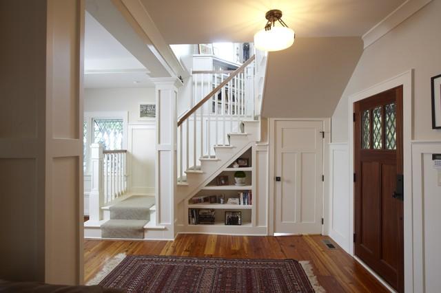Прихожие с лестницей дизайн фото