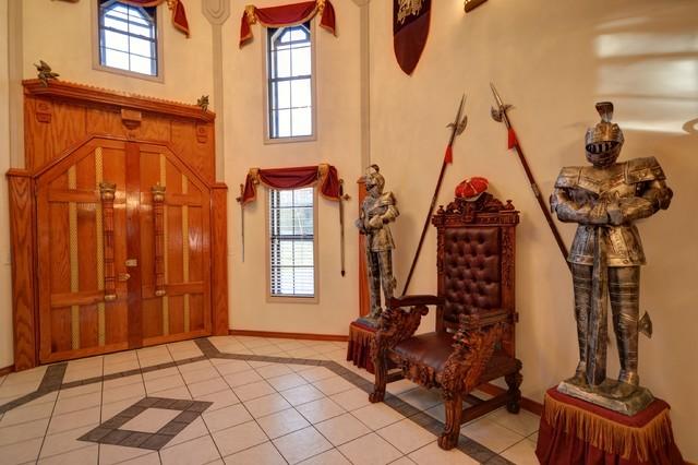 The Austin Castle House eclectic-entry