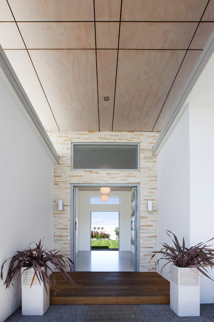 The Lake House - Creative Space Architectural Design modern-entry