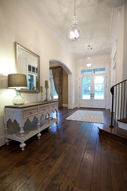 Tholen House traditional-entry