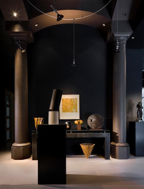 Tomas Frenes Residential modern-entry