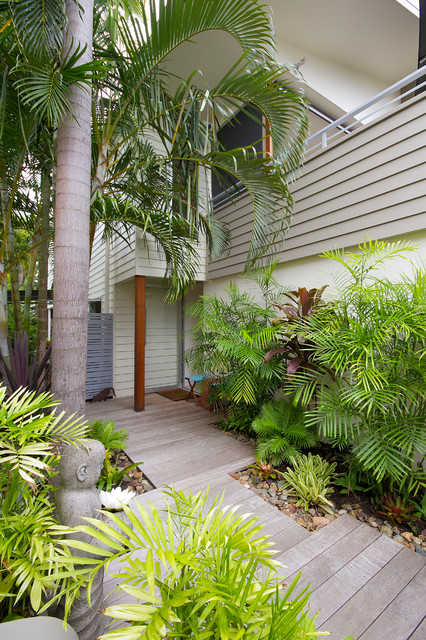 Townhouse Renovation - Sunshine Beach contemporary-entry