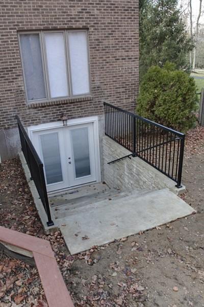 ideas how make garage over inside garden - Traditional Entry