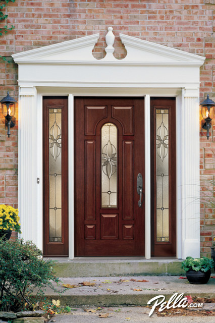 Transform your view with a Pella® ProLine® ENERGYSTAR-qualified entry door traditional-entry