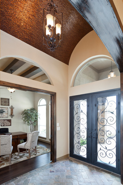 Transitional hill country entry for Moad interior designs