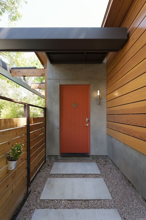 puerta principal color rojo