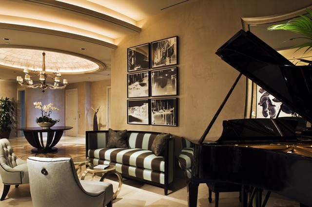Turnberry -piano modern entry