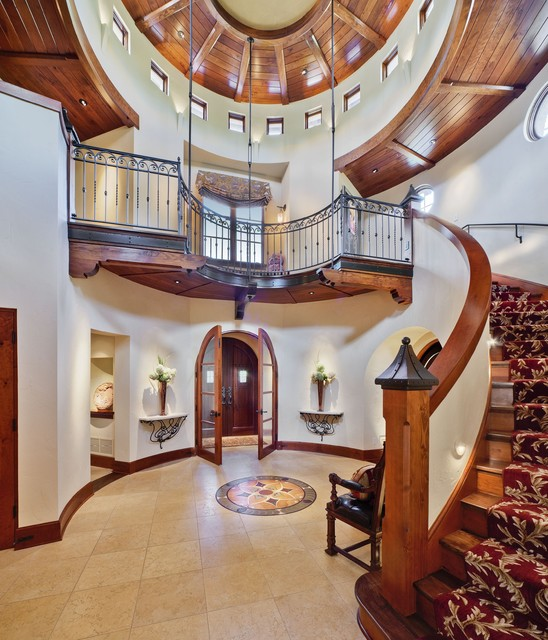 Mediterranean House Foyer : Tuscan foyer