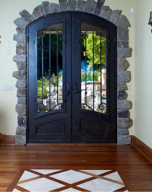 Tuscan Lakeside Manor traditional-entry