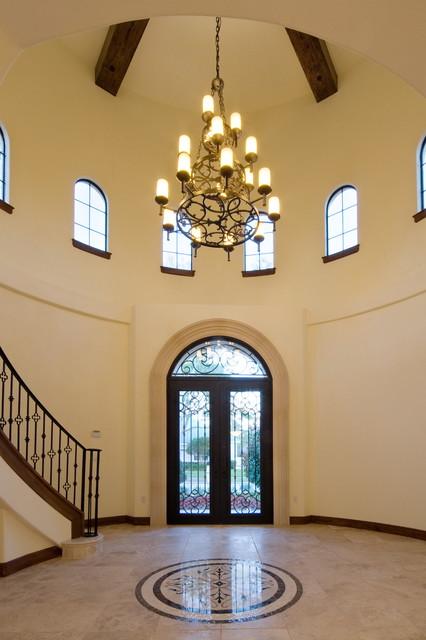 Villa Toscana mediterranean-entry