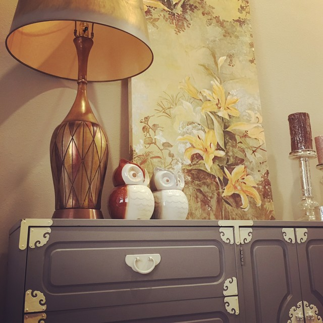 Vintage Chic eclectic-entry