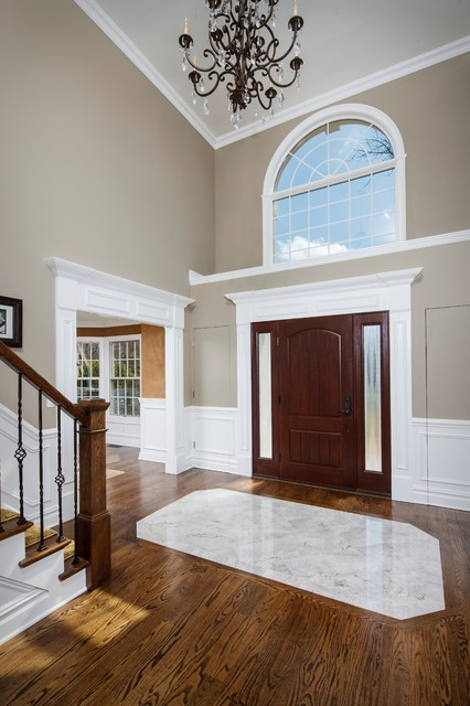 Warm and Welcoming traditional-entry