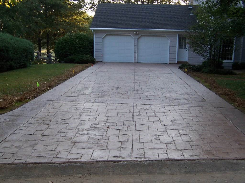 Webster Groves, Missouri stamped concrete driveway