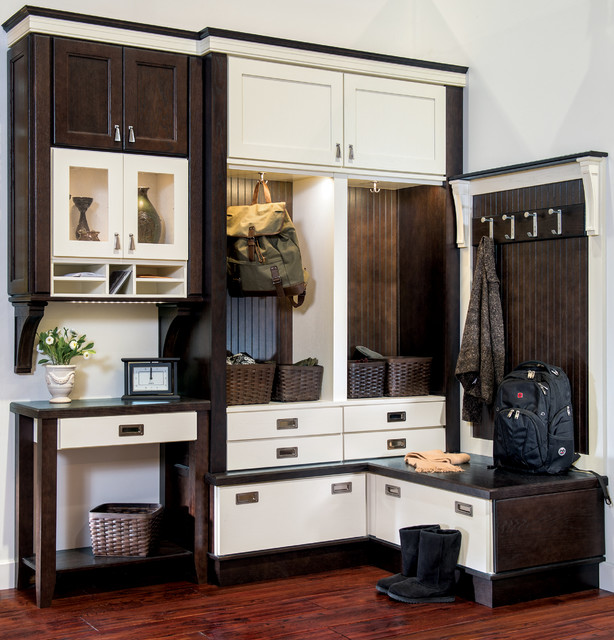 Wellborn Cabinet - Contemporary - Entry - by Wellborn Cabinet, Inc.