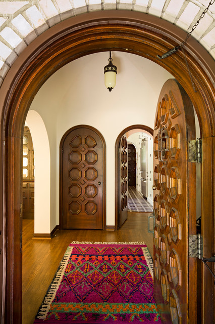 White brick mediterranean mediterranean entry for Mediterranean style entry doors