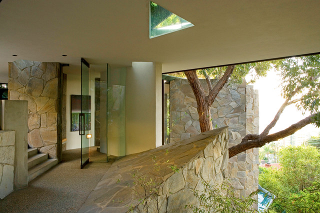 Wolff House by architect John Lautner midcentury-entry