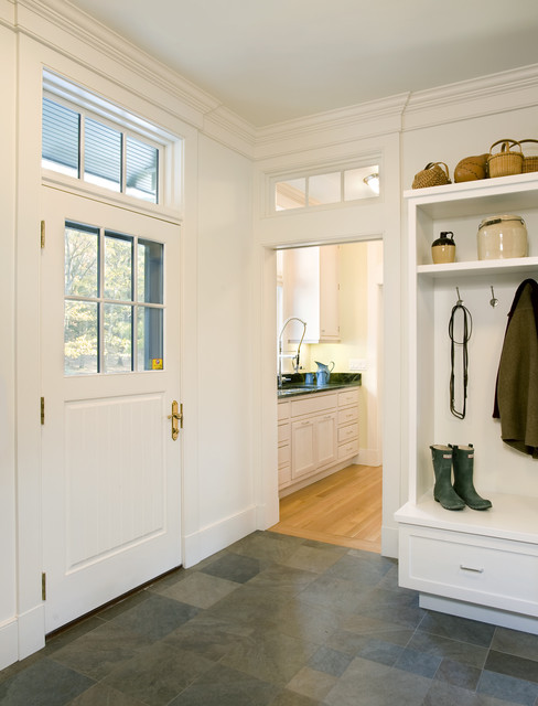Forest View Residence Mudroom traditional entry