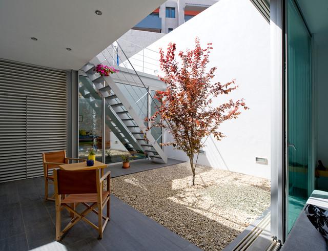 Idée de décoration pour un escalier design de taille moyenne.