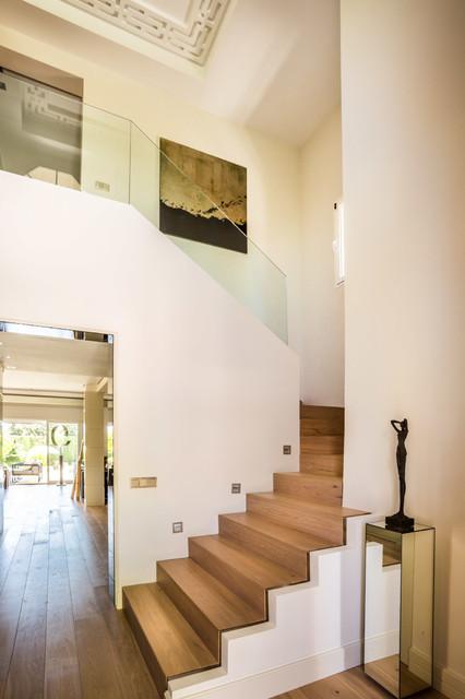 Escaleras casa marbella for Ver escaleras de casas