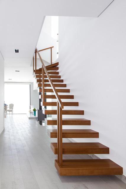 Incommunstudio estudio de arquitectura elena roig cardona contemporary staircase - Estudio arquitectura alicante ...