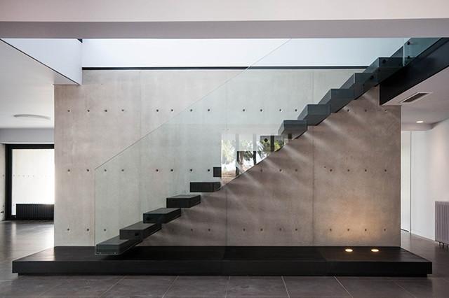 Rehabilitaci n y ampliaci n de vivienda unifamiliar en calicanto contempor neo escalera - Escaleras para viviendas ...