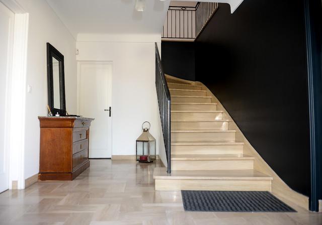 Aménagement d\'une cage d\'escalier et d\'un palier - Klassisch ...