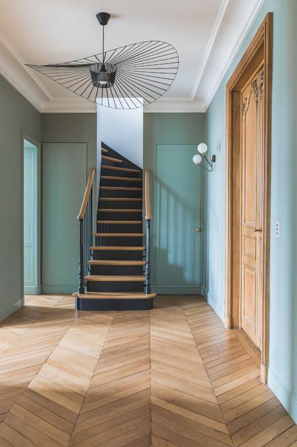 Fanny prat architecte dintérieur · nettoyeurs de conduits daération appartement à paris 340m² classique chic escalier